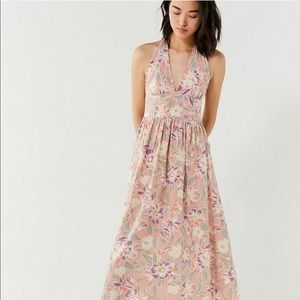 URBAN OUTFITTERS | Betsey Linen Halter Midi Dress